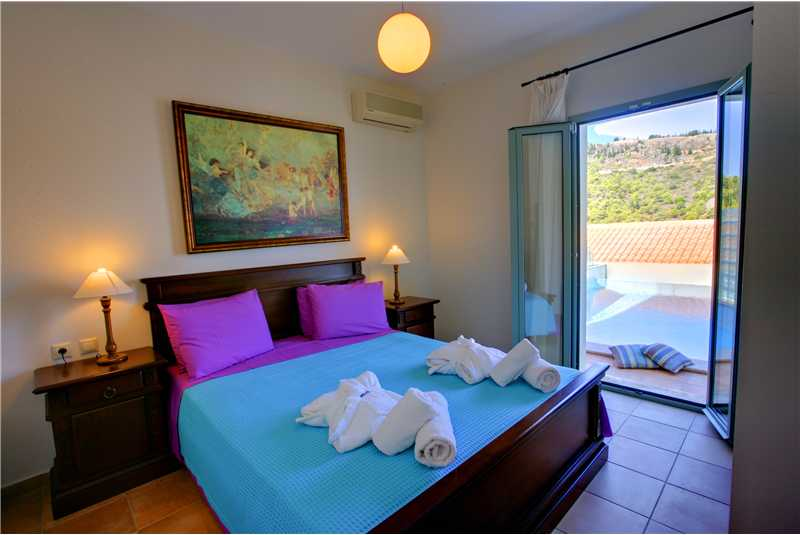 Villa Eleni double bedroom with balcony overlooking the sea