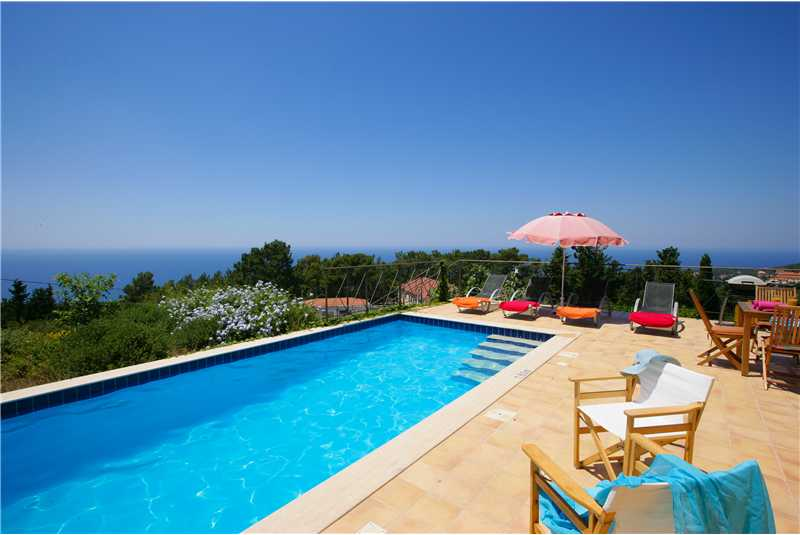 Villa Hilltop swimming pool with wonderful sea views