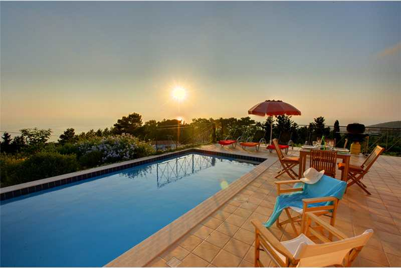 Villa Hilltop glorious sea views by the pool
